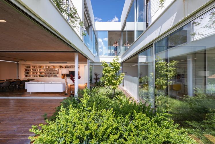 บ้านสวน garden house in the city