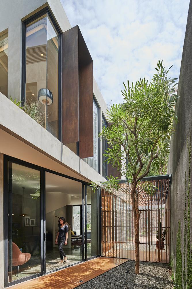 บ้านสไตล์ลอฟท์ Breeze Blocks House
