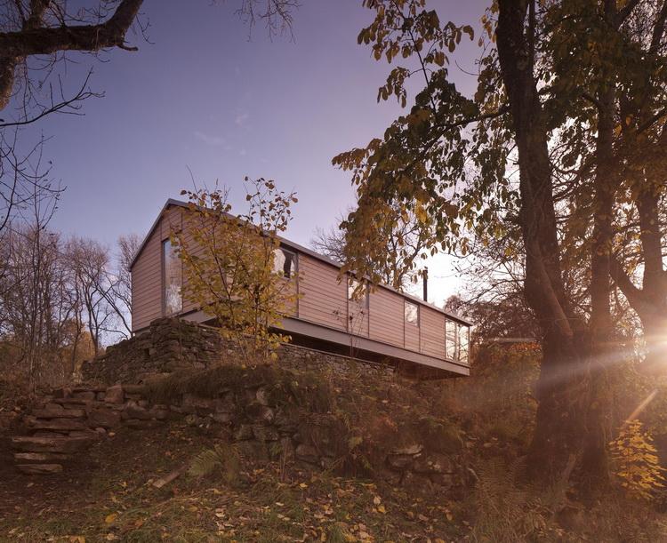 บ้านสองชั้นสวย ๆ Flax Mill House