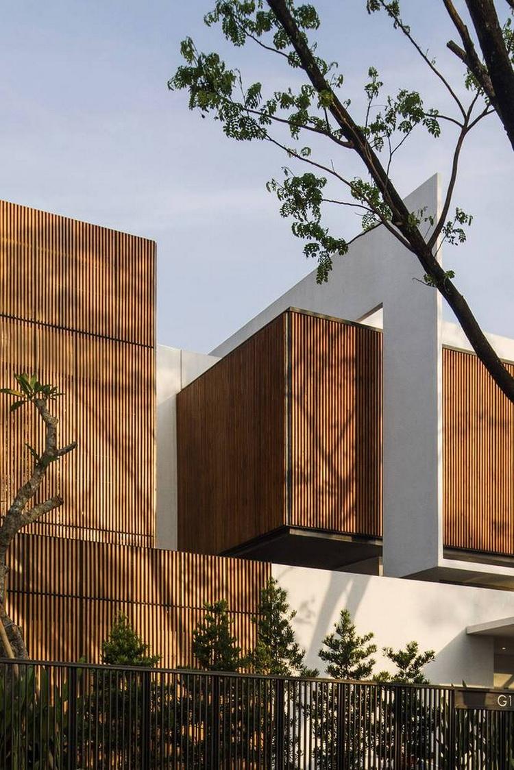 แบบบ้าน สองชั้นโมเดิร์น Between 2 Courtyards