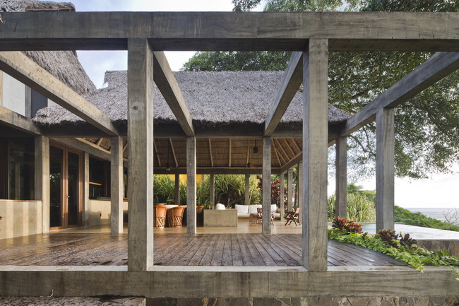 บ้านครึ่งปูนครึ่งไม้ Chacala House