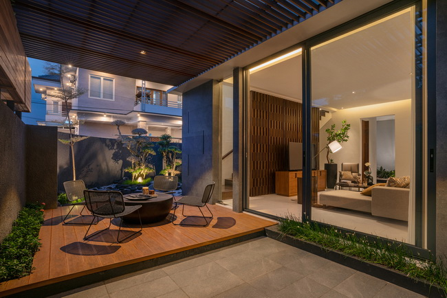 แบบบ้านสองชั้น สวยๆ J House