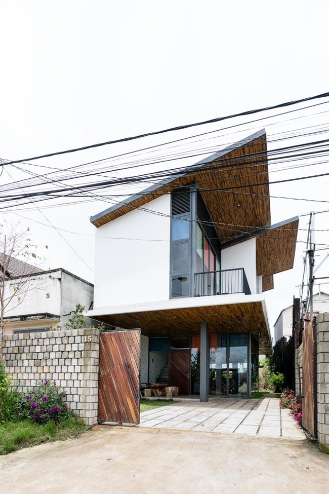 แบบบ้าน หลังคาเพิงแหงน Nha Nhim