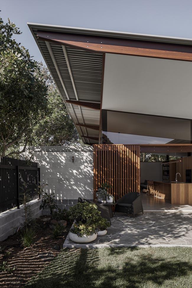 บ้านทรงหมาแหงน Banksia House