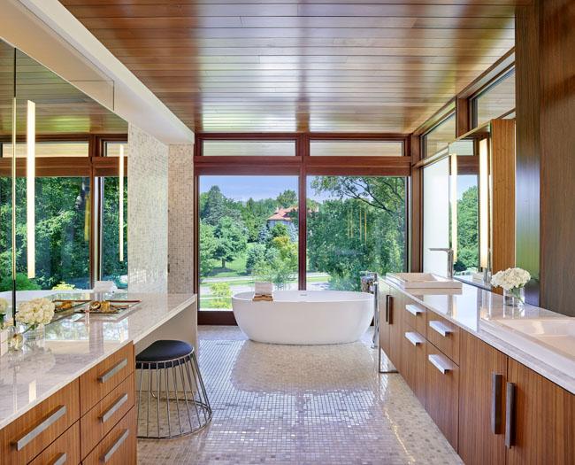 ห้องน้ำออกแบบให้พื้นที่ ที่กว้างเพื่อความสะดวกสบายในการใช้งานแบบบ้านสวยๆ